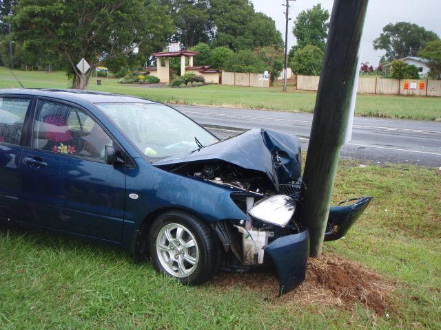 電信柱事故